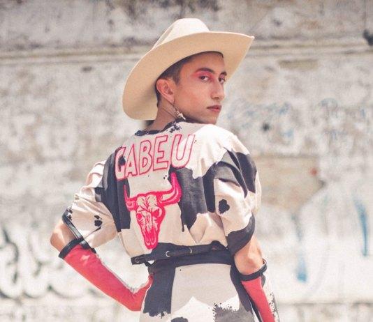 """Gabeu lança single e clipe para """"Cowboy Fora da Lei"""", cover de Raul Seixas"""