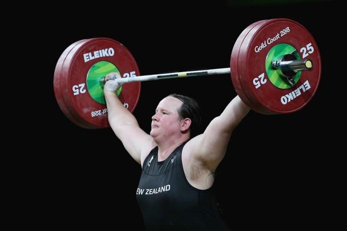Halterofilista pode ser a primeira mulher trans a competir na Olimpíadas