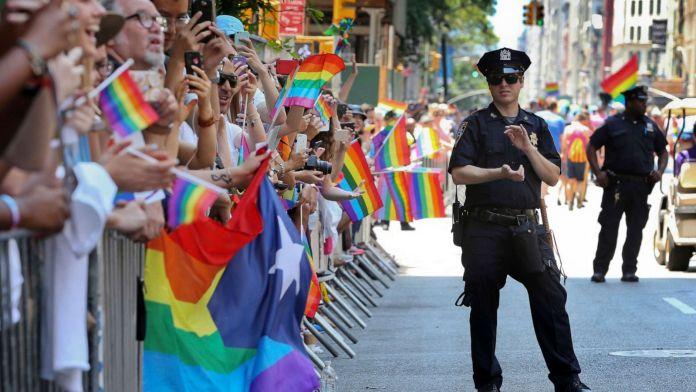 Polícia será banida da Parada LGBTQIA+ de Nova York até 2025