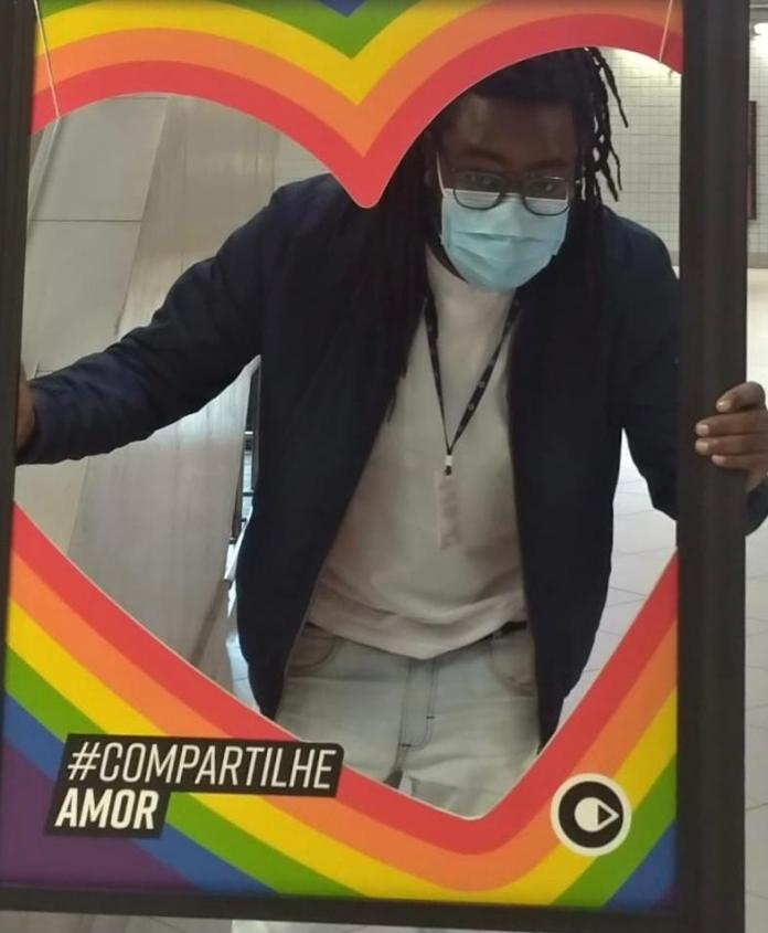 Metrô Paulista intensifica ações contra homofobia com cartazes reforçando direitos LGBTs