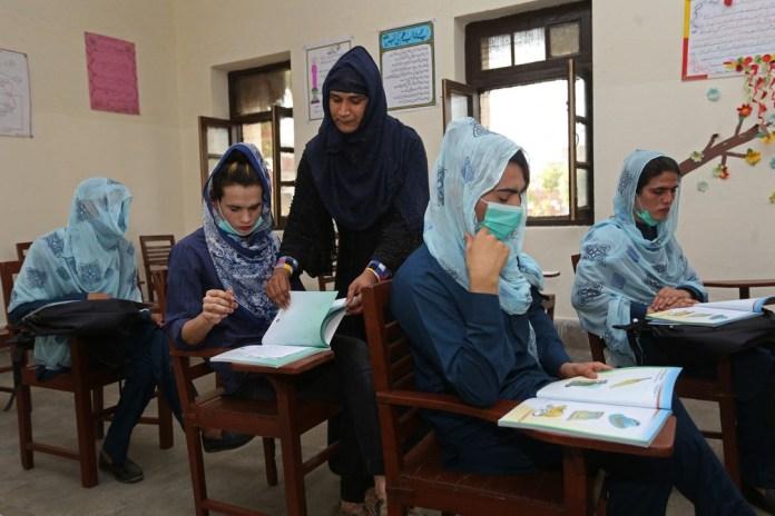 Paquistão abre escola pública para mulheres trans