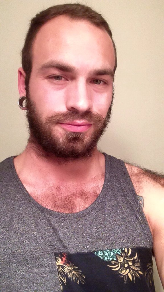 """Lucas Leoni: """"Eu era o famoso gay-for-pay"""" - Reprodução"""