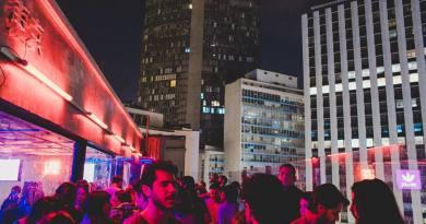 Complexo de nove andares com karaokê, bar, restaurante e festas recém-inaugurado no centro de São Paulo vai funcionar todos os dias do feriado