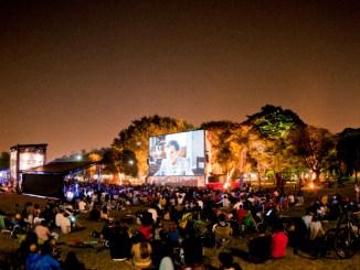 Artistas do cenário musical brasileiro cantam dois mitos da música, durante o maior festival de cinema ao ar livre do Brasil, no próximo final de semana, no Parque Villa-Lobos
