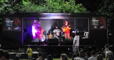 Palco móvel Vá de Jazz em edição da FIC | Divulgação