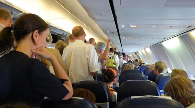 30 perguntas para se fazer para pessoas que levantam assim que o avião pousa