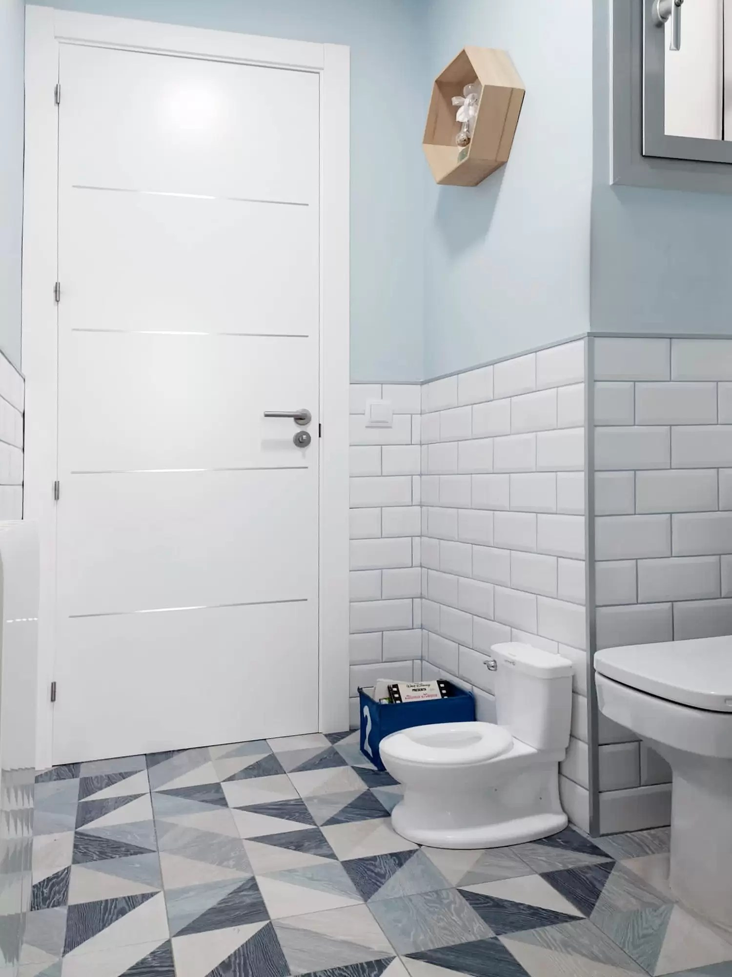 Gayafores bathroom project with Melange Blue