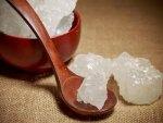 Lebih Sehat Gula Batu atau Gula Pasir?