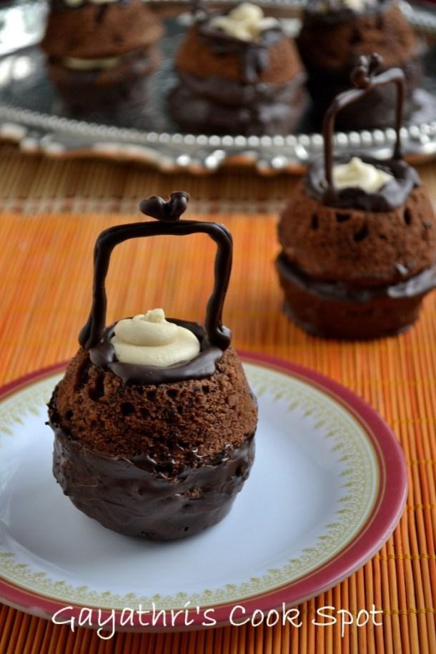 Eggless Cauldron Cake