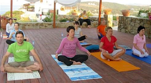 Йога за радост и лекота