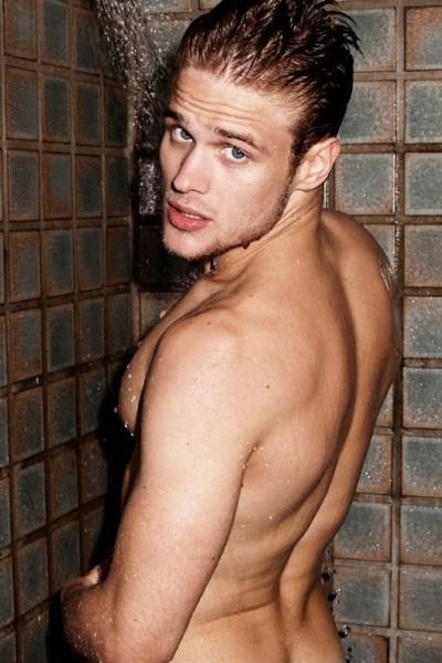 Renan Rosiak In The Shower (1)