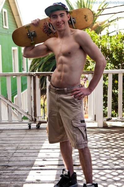 Tight Bodied Uncut Guy Jed Atkinson (1)