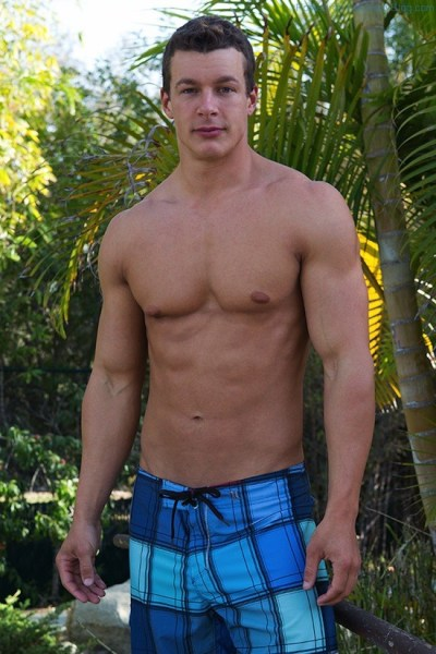 Jacking Off With Handsome Muscle Jock Cameron (1)