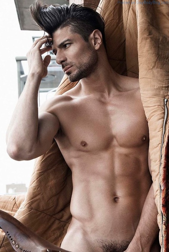 Say Hello To Handsome Muscled Stud Felipe Flores