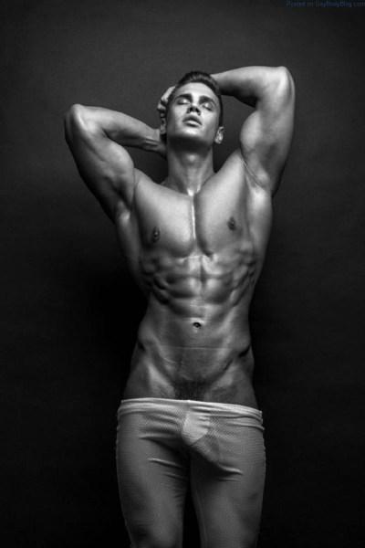 muscled male model Alexander Kalmykov cock bulge