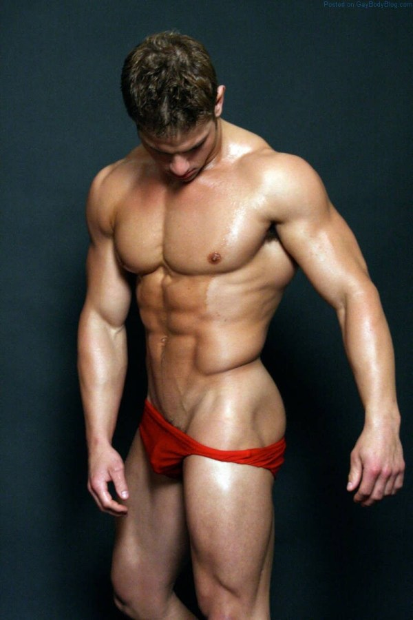 Markus Ricci in a posing pouch