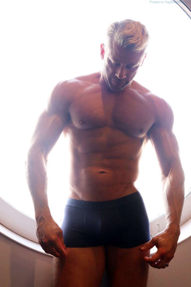 Muscle Daddy Hunk Terry Miller Bulging In His Underwear