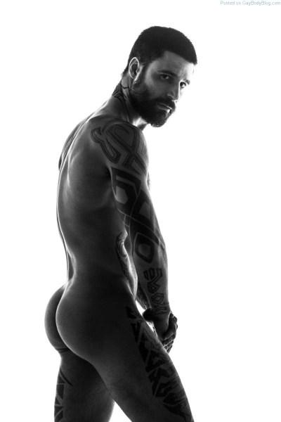 male model Lucas Santarelli showing his butt