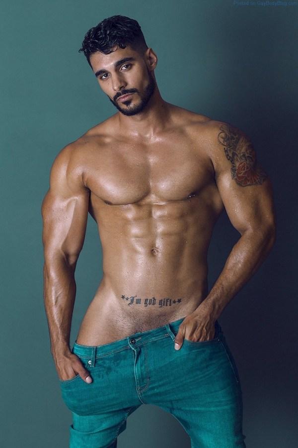 Male Model Josué Jiménez Wants To Tease You With His Bulge