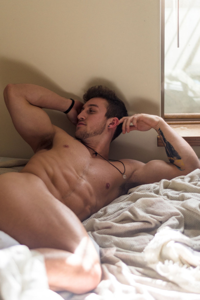 Cam Hunk Joey Miller Gets Our Juices Flowing