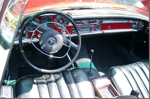 280 SL Mercedes-Benz W113 inside