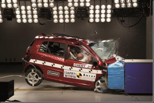 ancap crash test Chery_J1_2011_3_stars_frontal_offset