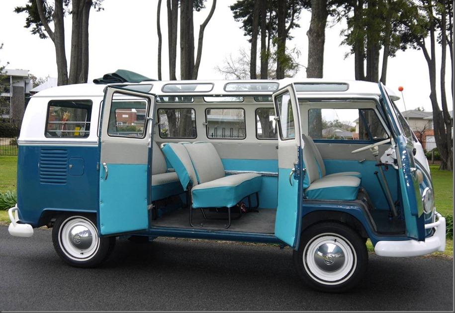 21-Window 1966 Volkswagen barn door Kombi Microbus