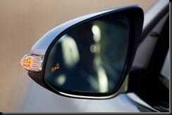 2012 Toyota Camry HL blind spot monitor