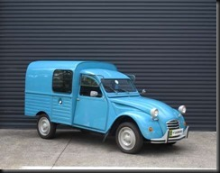 restored-left-hand-drive-1971-Citroen-AK400-Fourgonnette-van-that-was-believed-to-have-had-just-three-owners-from-new-sold-$21,500