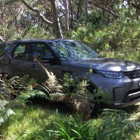 2018 Land Rover Discovery HSE Review
