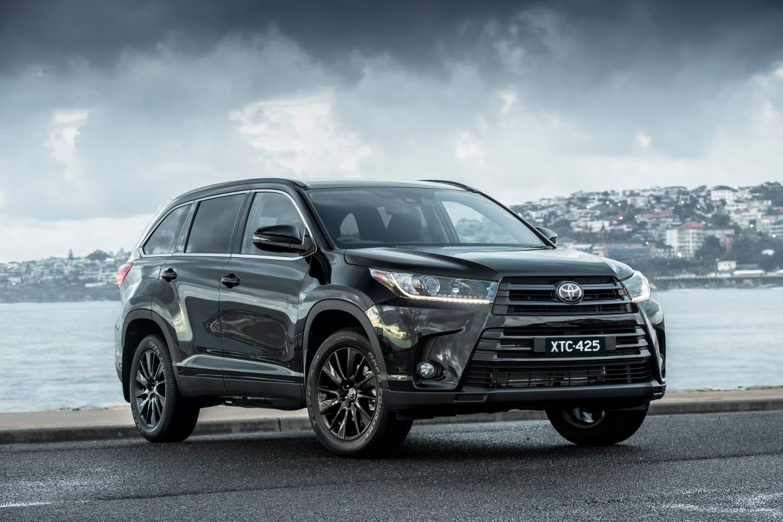Toyota Kluger Black Editon