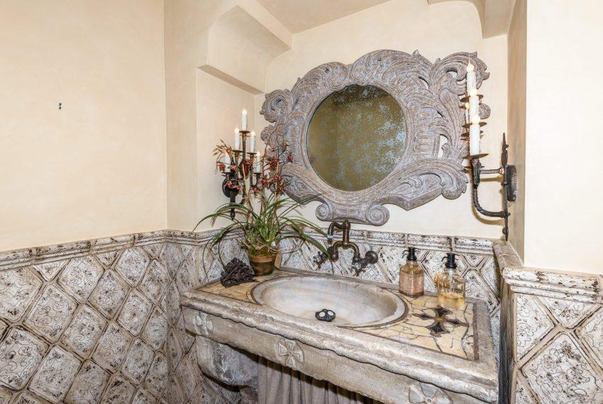 Guest Bathroom-16