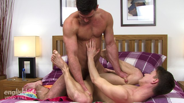 Paddy O'Brian fills Darius Ferdynand with his fat cock