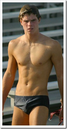 Teen_boys_in_speedos_and_swim_shorts (6)