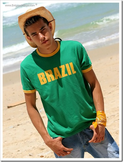 Gorgeous_gay_teen_boy_Leon (2)