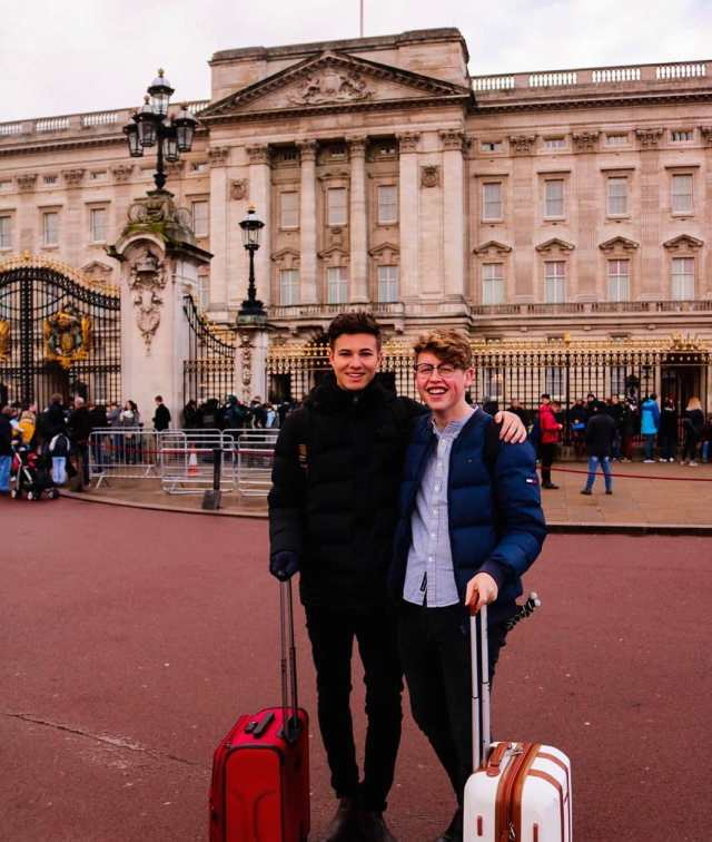 Andrew McLaughlin and Jeremy Miles in front of Buckingham Palace