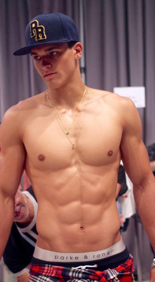 parke-ronen-backstage-spring-2017-male-models-56-trevor-signorino