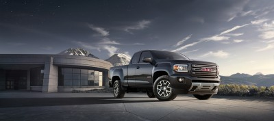 2015 GMC Canyon All Terrain extended cab front three-quarter vie