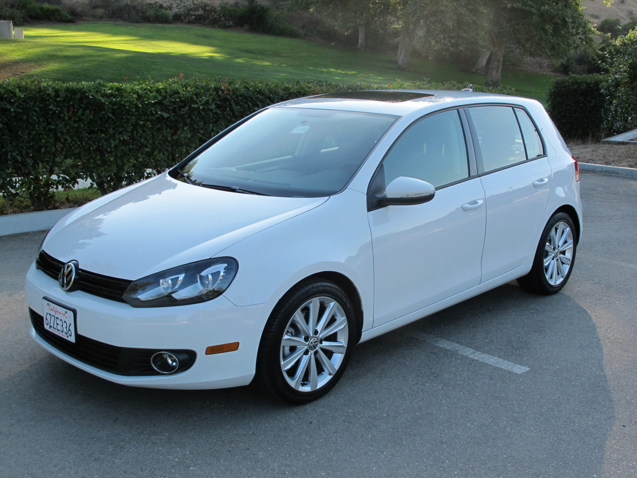 Volkswagen Tdi Mpg First Drive Comparison 2013 Vw Golf Tdi Vs 2015 Vw Golf Tdi