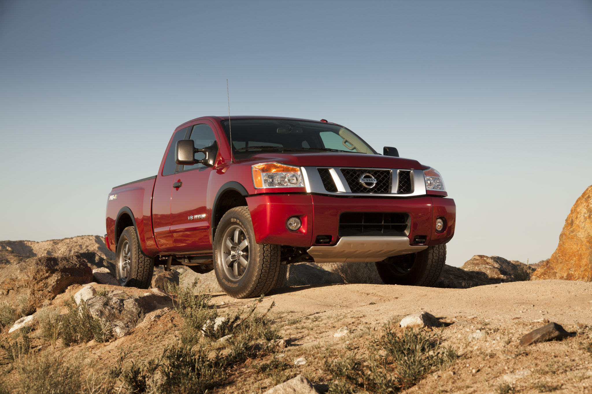 2014 nissan titan needs love and some buyers time for a bear 2014 nissan titan needs love and some buyers time for a bear hug vanachro Gallery