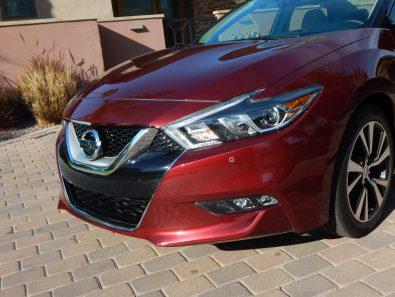 2016 Nissan Maxima (photo by Jeff Stork)