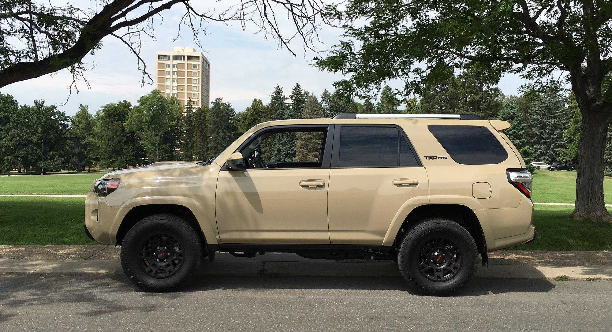2016 toyota 4runner 4 4 trd pro rugged yet refined gaywheels. Black Bedroom Furniture Sets. Home Design Ideas