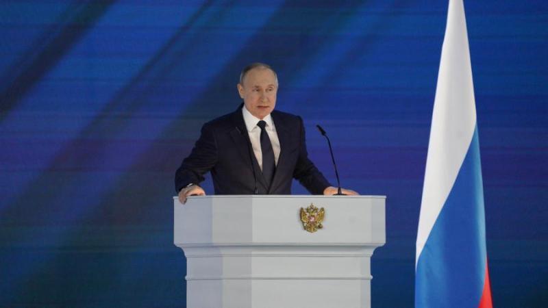 Путин предложил выплатить по 10 тыс. рублей на каждого школьника