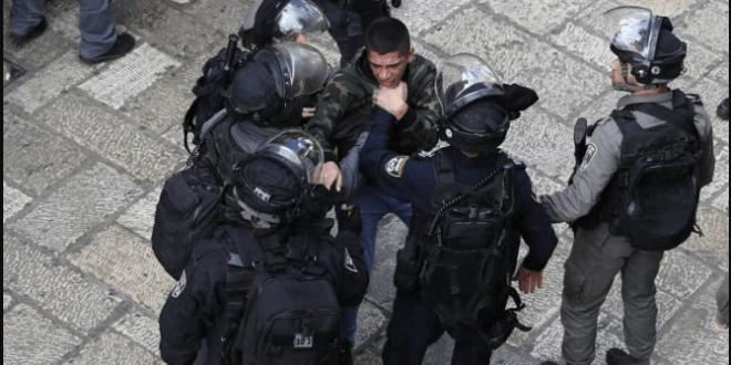 الاحتلال يعتقل ٢٠ مواطنا في القدس المحتلة