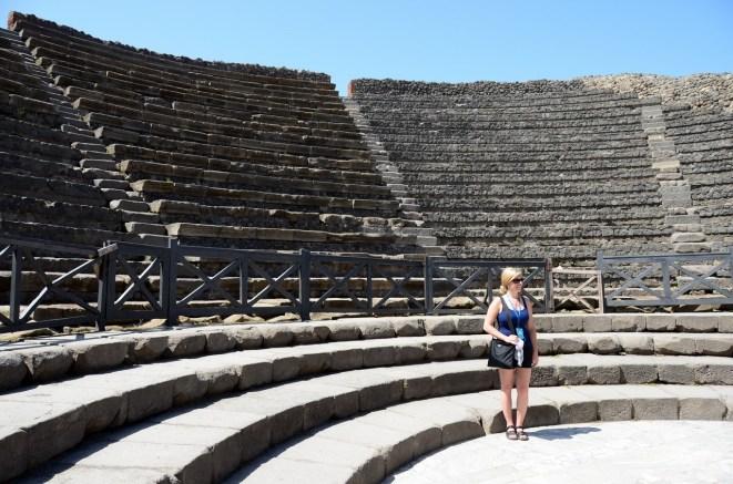 Her Roma kentinde olduğu gibi Pompei'de de bir amfitiyatro var