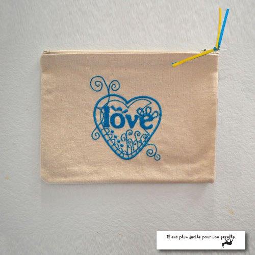 Pochette Love-bleu