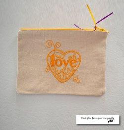 Pochette Love-jaune