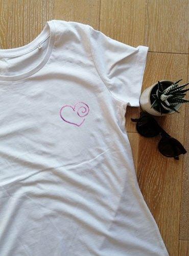 T-shirt coeur brillant