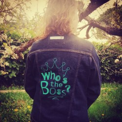 VESTE BRODEE -WHO'S THE BOSS