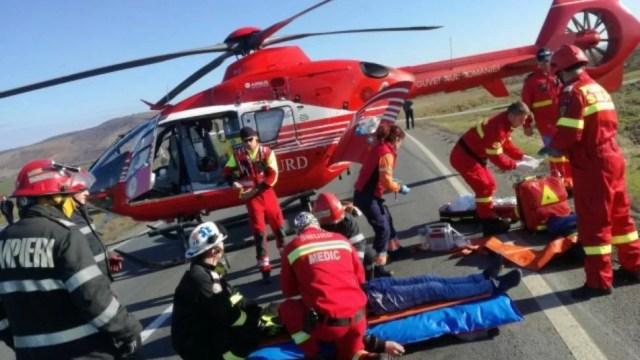 trei-pacienti-cu-covid-19,-transportati-cu-elicopterul-de-la-bucuresti-la-spitalul-militar-din-sibiu